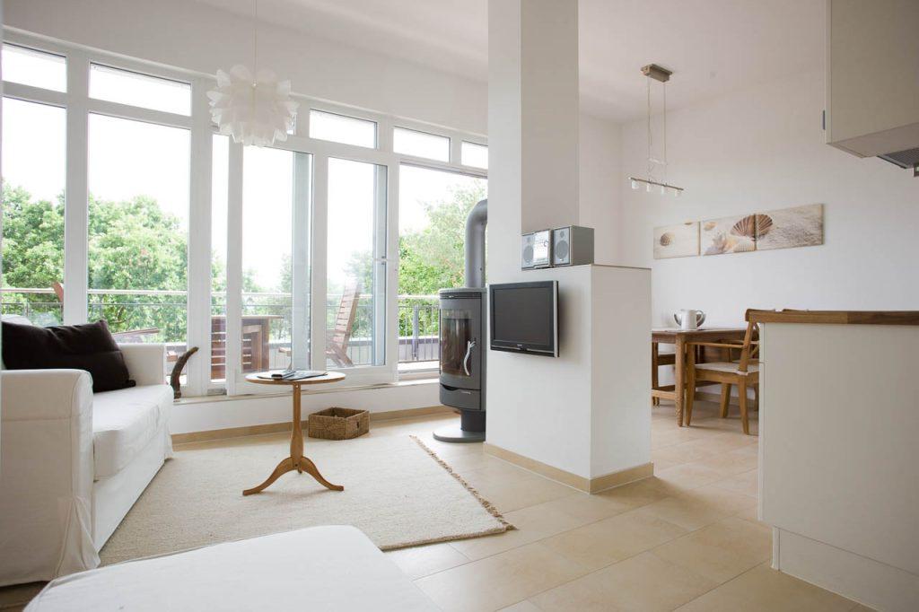 ferienwohnung mit meerblick panorama terrasse und kamin. Black Bedroom Furniture Sets. Home Design Ideas